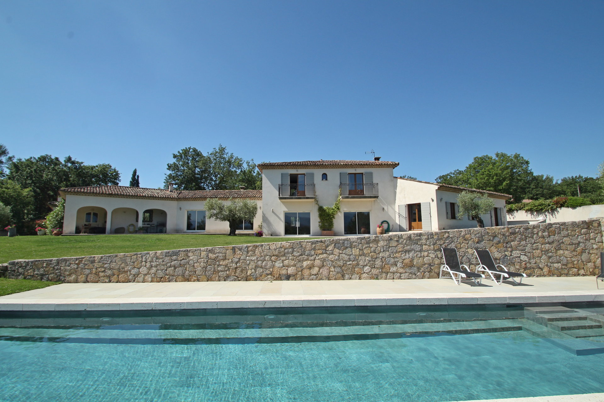 Fayence: luxurious and contemporary villa