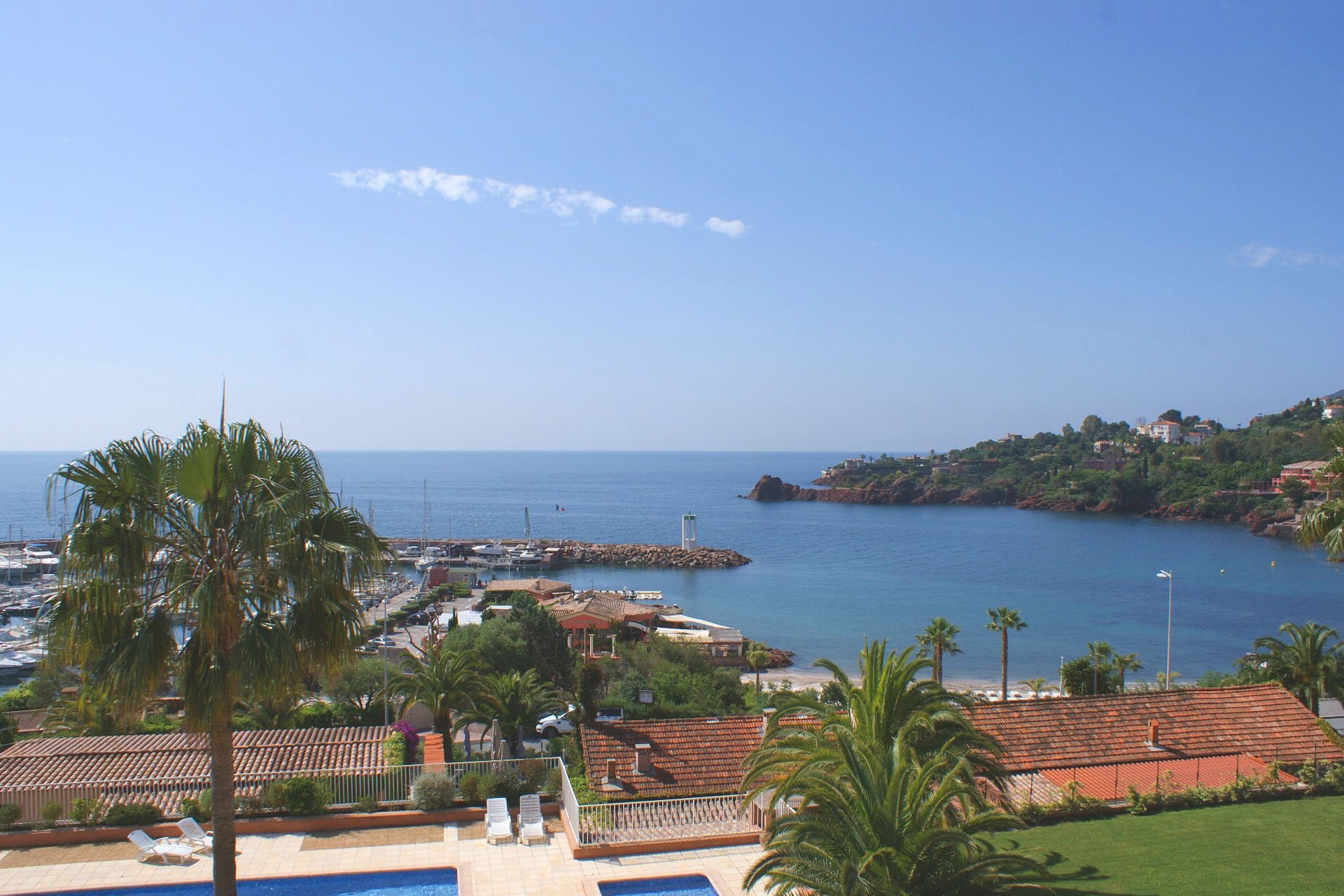 2 bedrooms near beach, magnificent sea view  * BM C12 *