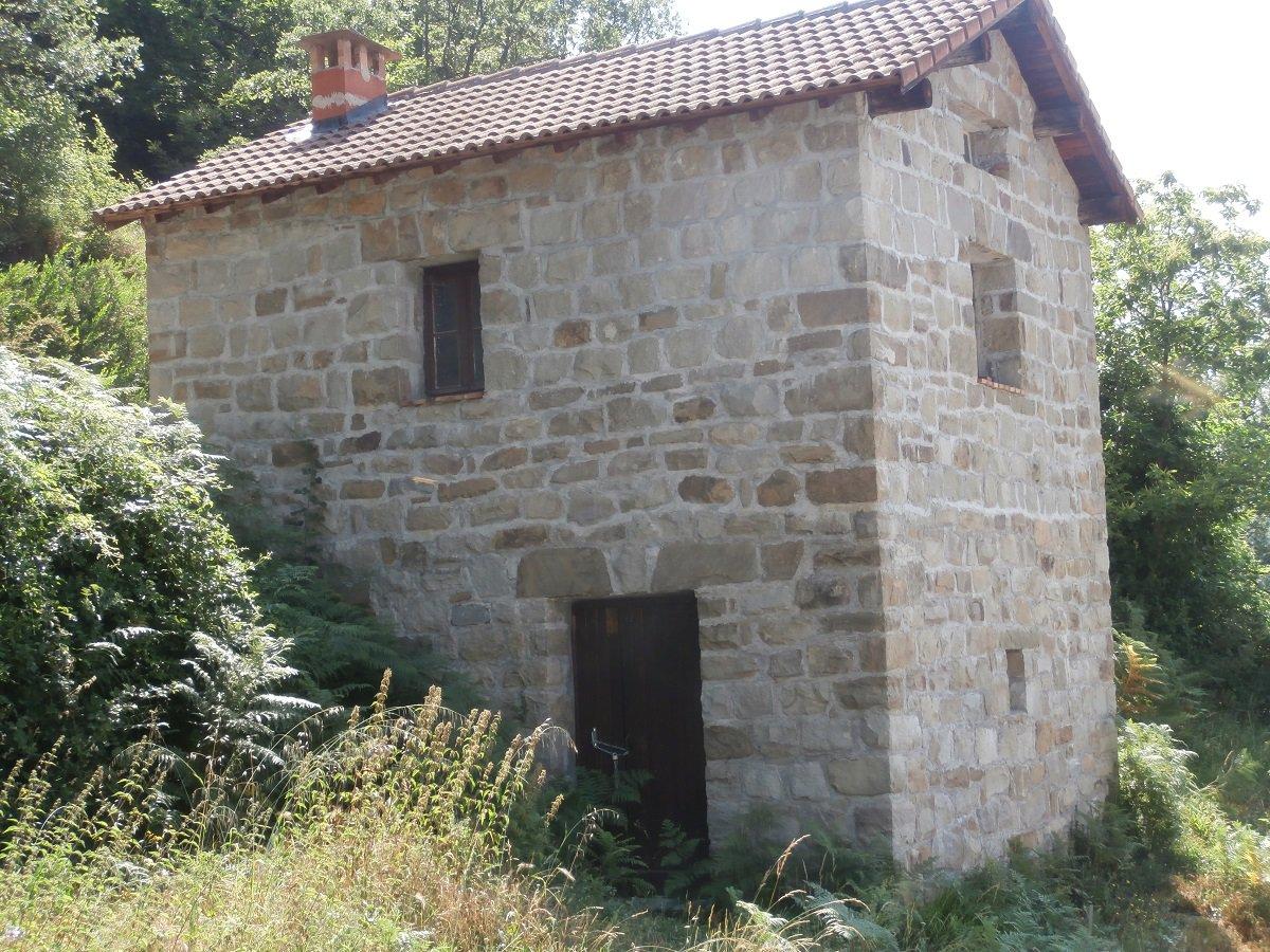 Sale Barn - Lantosque