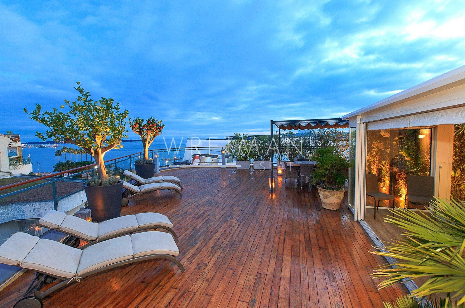 Top-floor apartment - Cannes Croisette