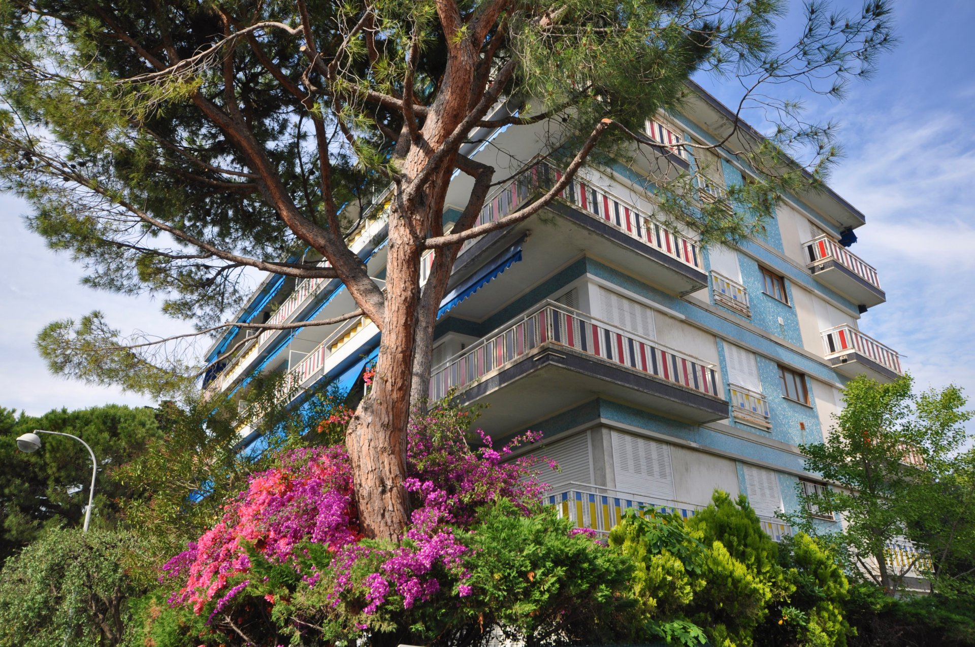 City of Nice Baumettes hill, for sale 2 bedroom apartment with balcony