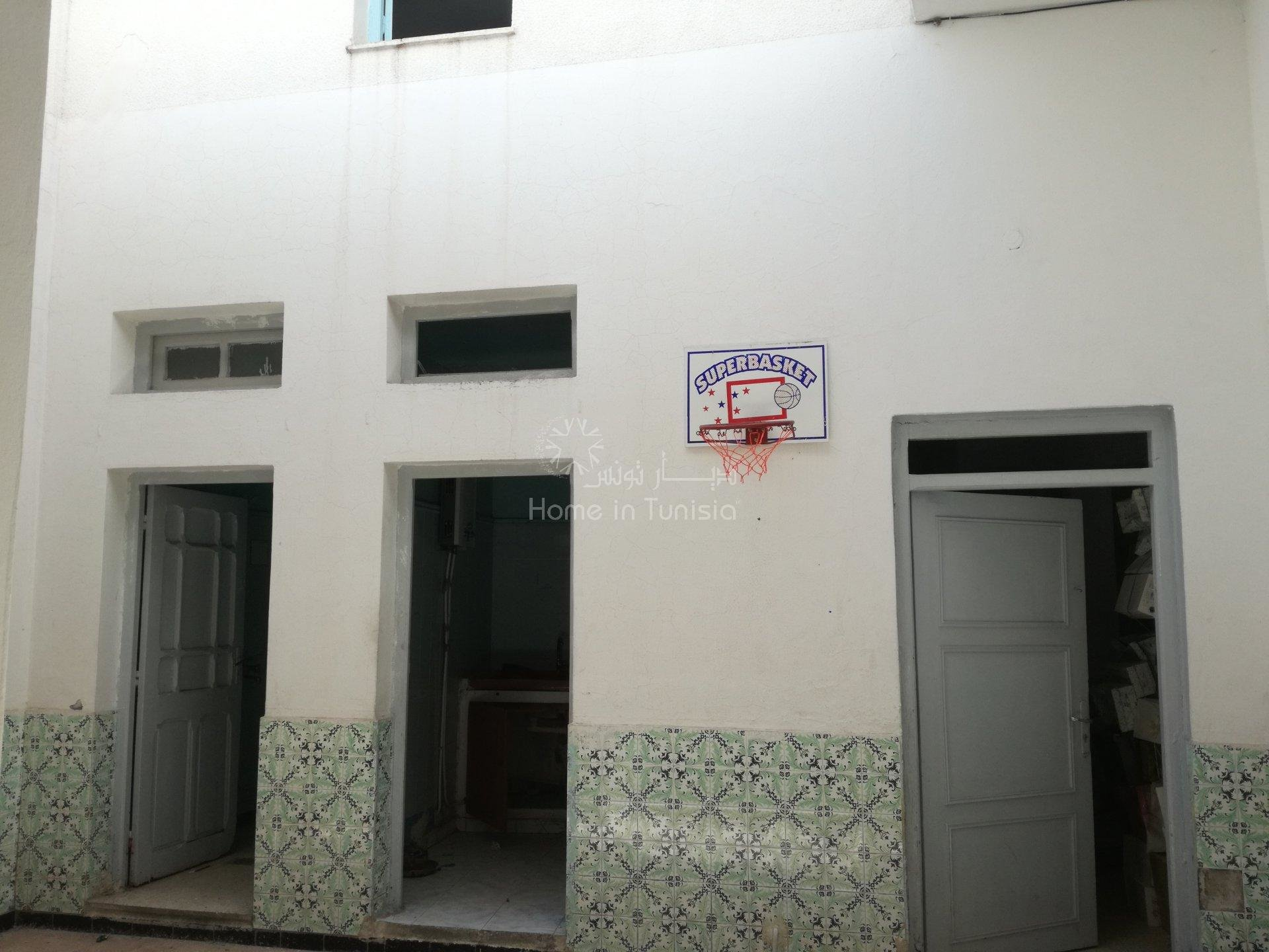 maison arabe avec 3 commerces