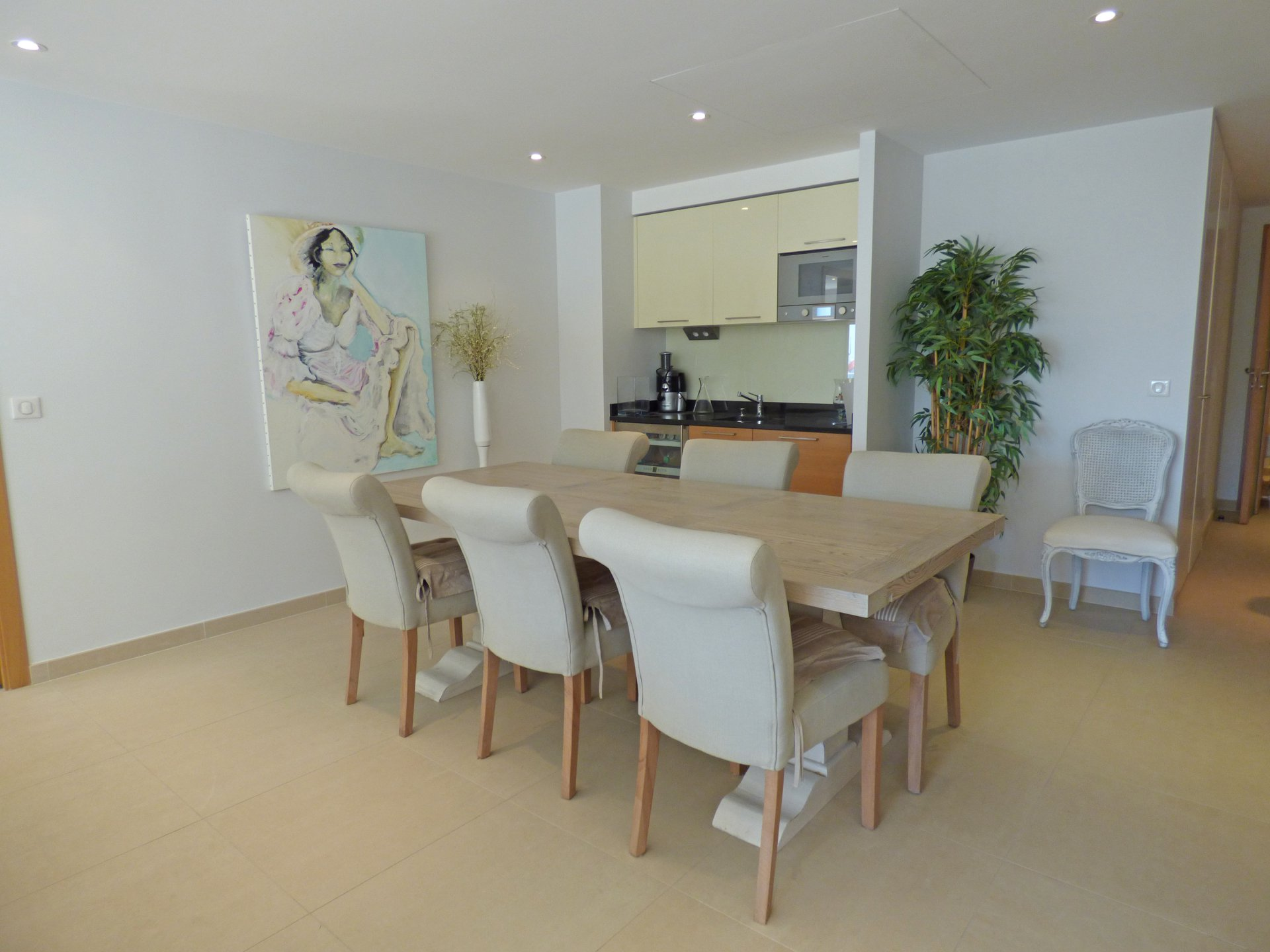 3 bedrooms flat of 149 sqm facing the port