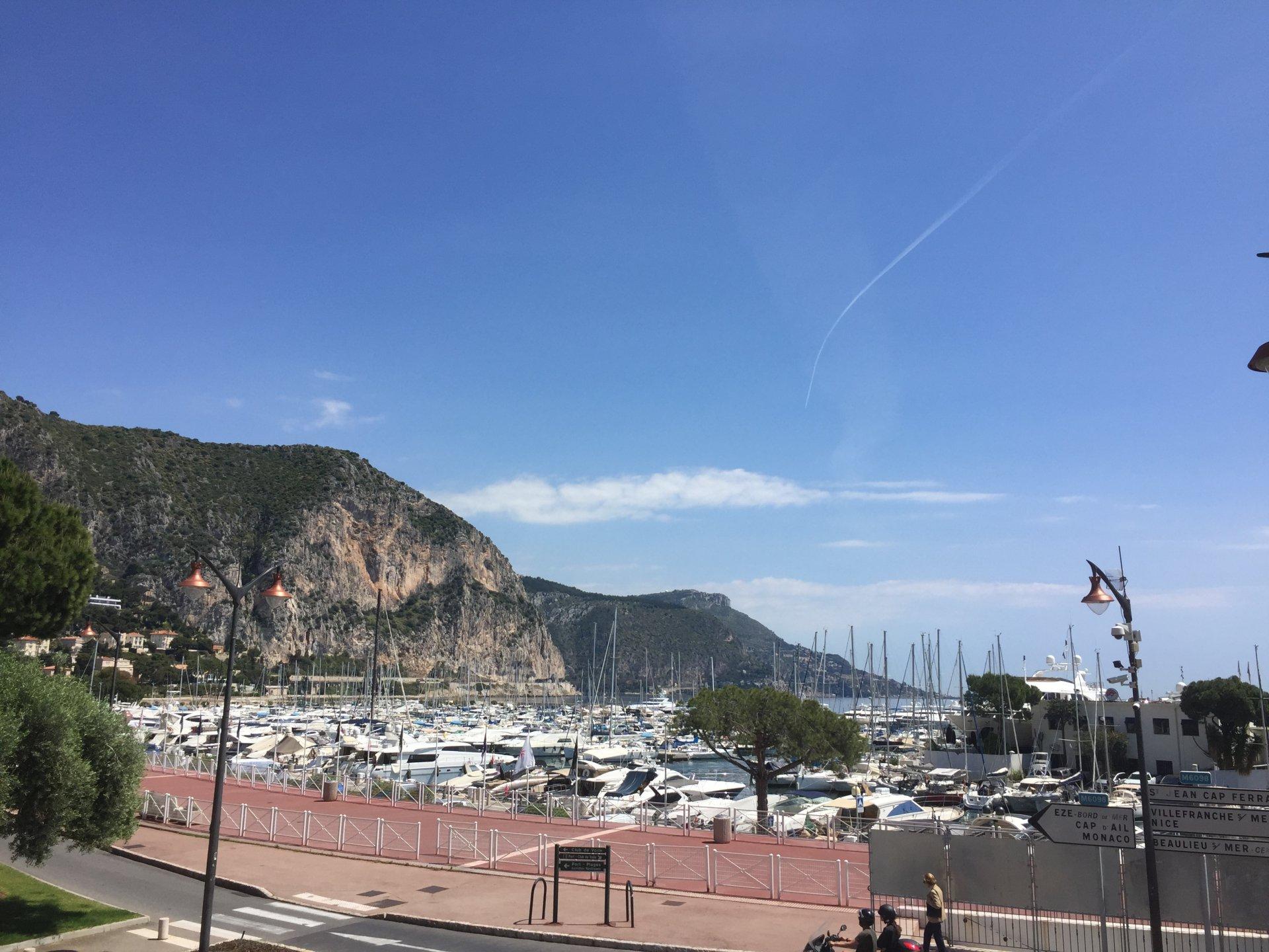 Beaulieu sur mer, 2 pièces vue mer, terrasse