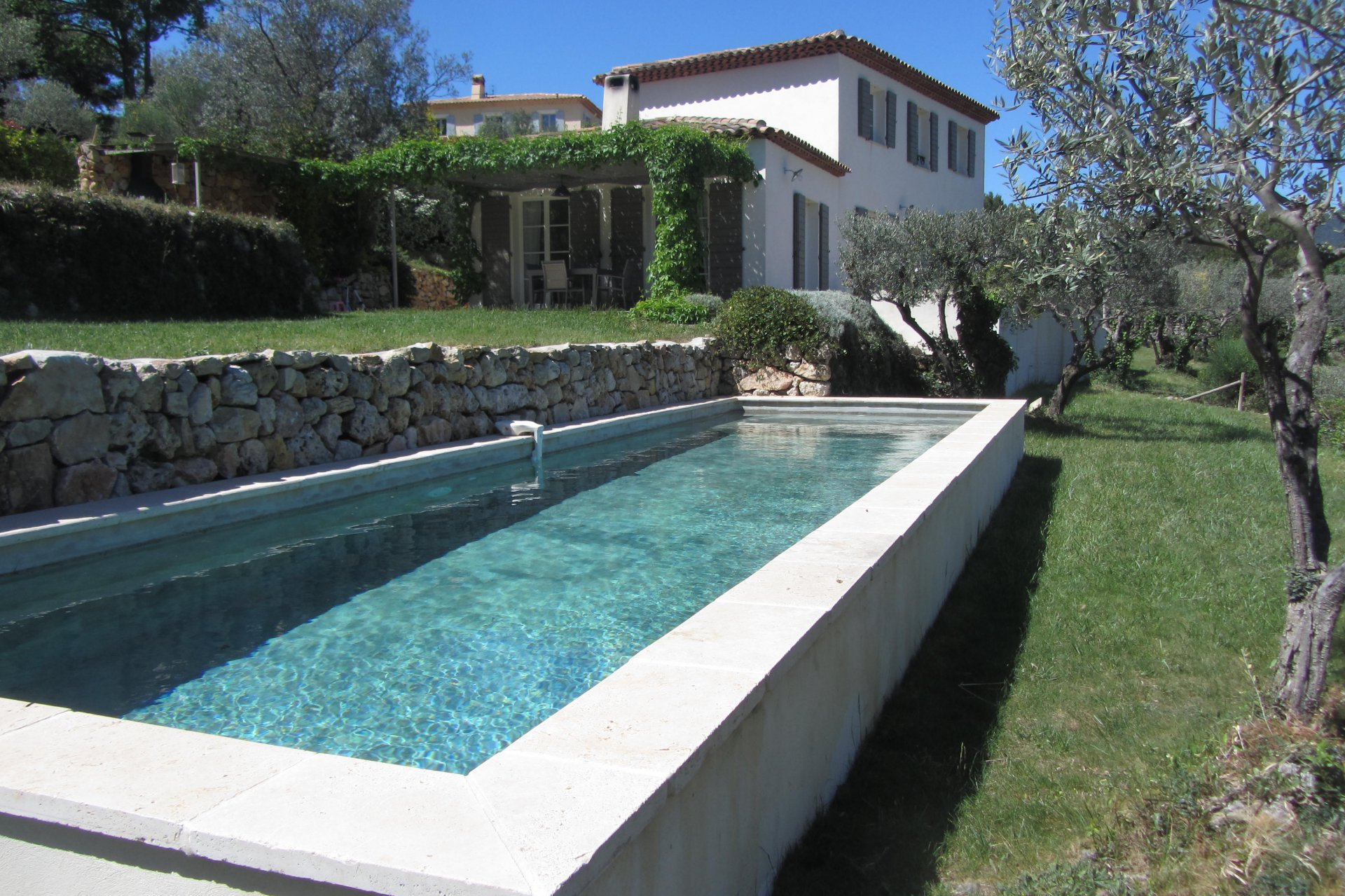 Recent Bastide with amazing view, pool