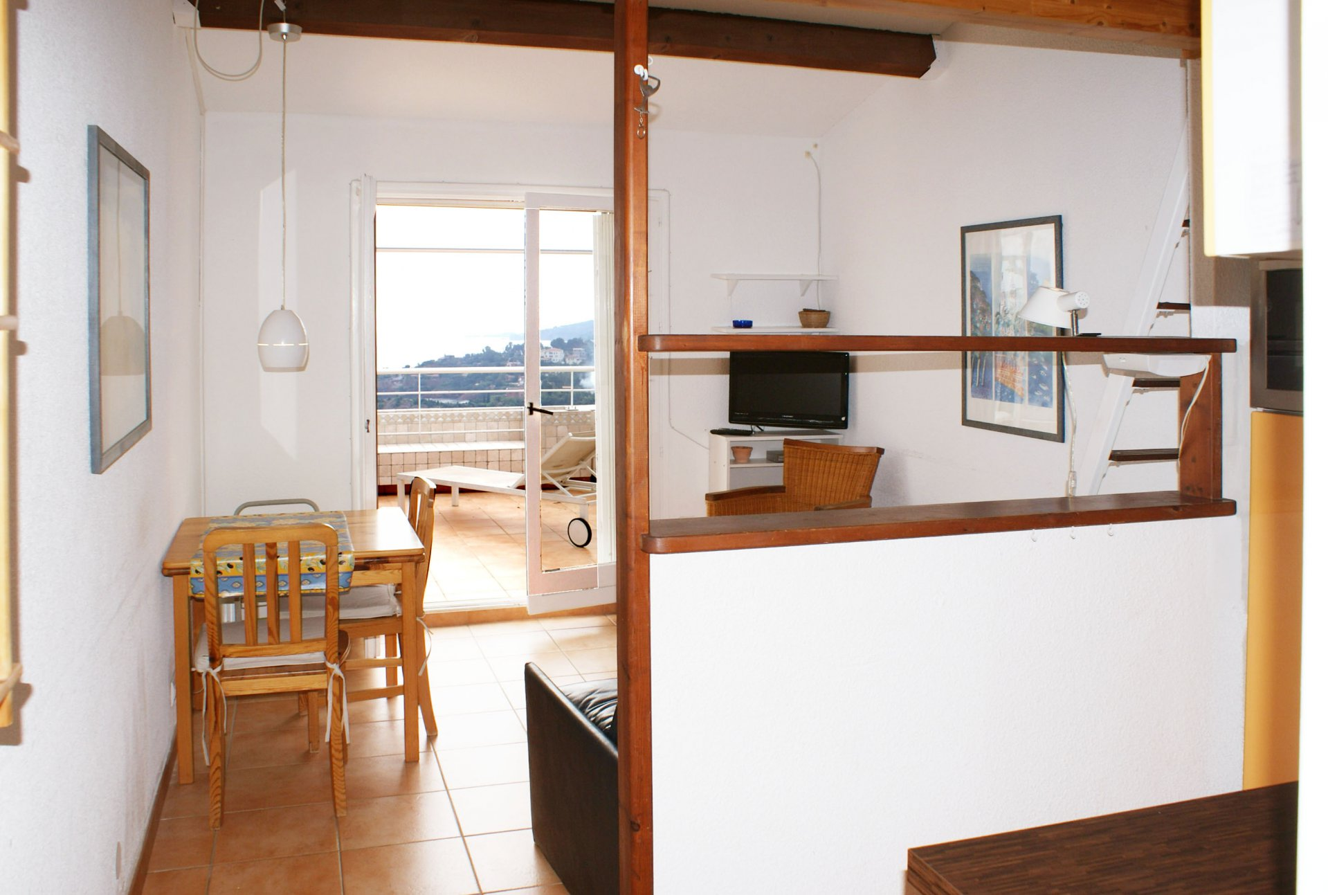 2 - 4 sleeps sea view  cabin  * MM 49 *