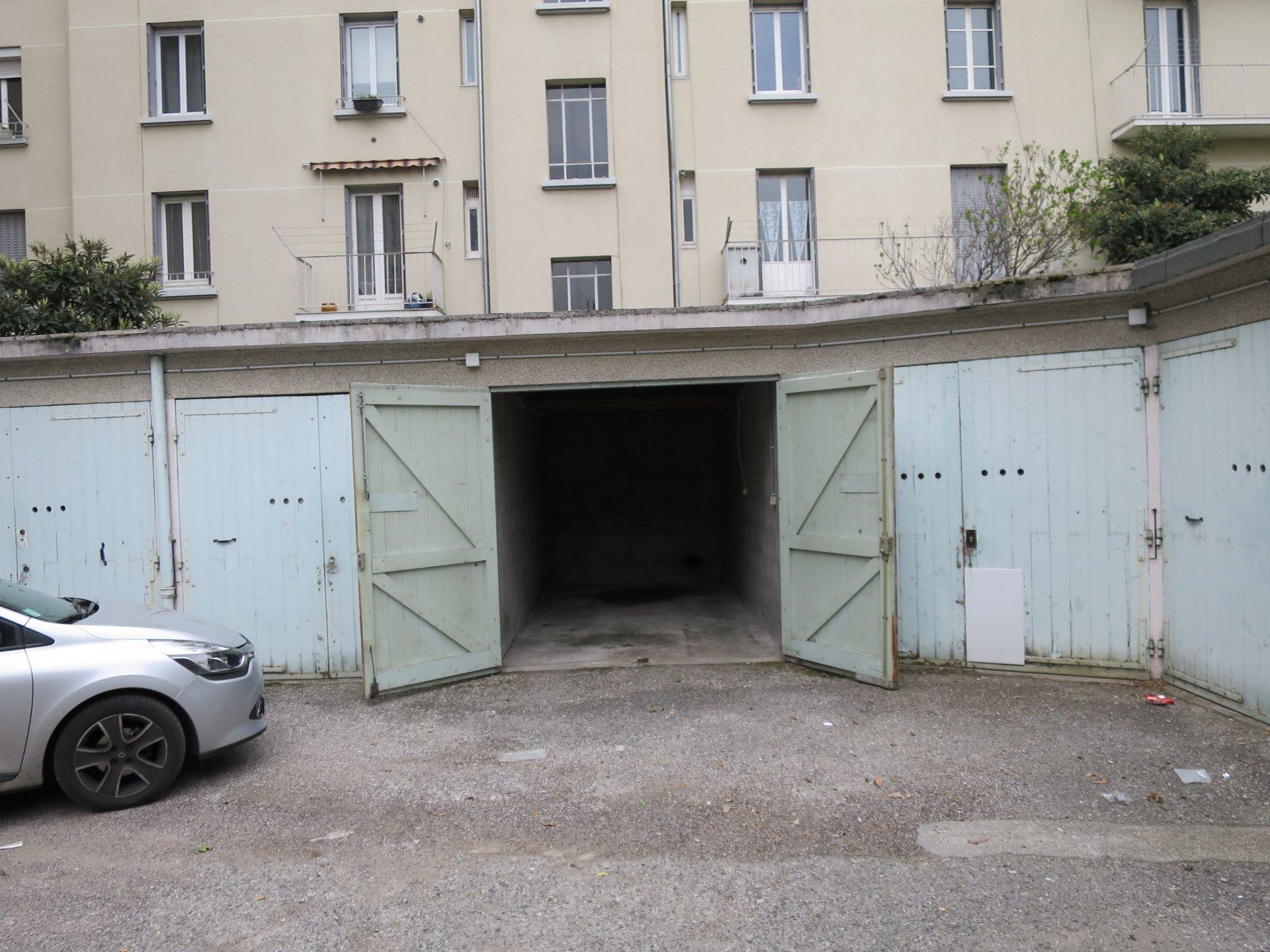 GARAGE N°1 rue Emile ZOLA