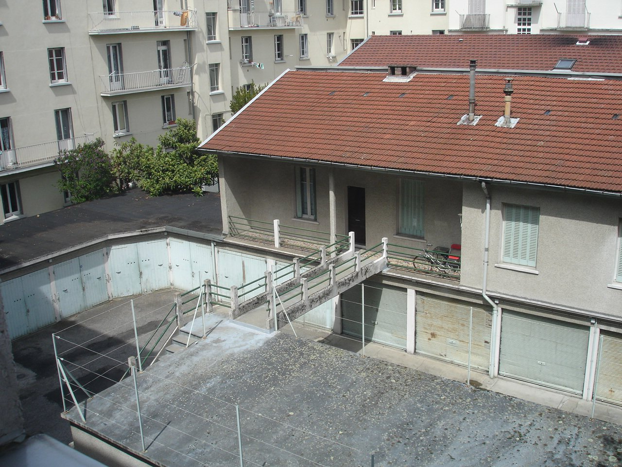 Rental Carpark - Grenoble Capuche