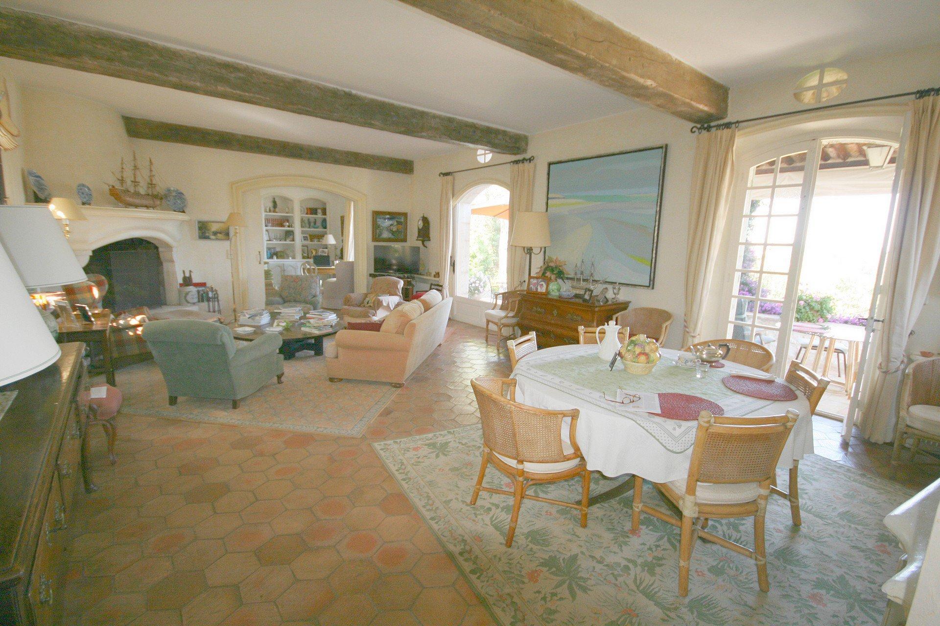 Продажа Дом - Сен-Поль-де-Ванс (Saint-Paul-de-Vence)