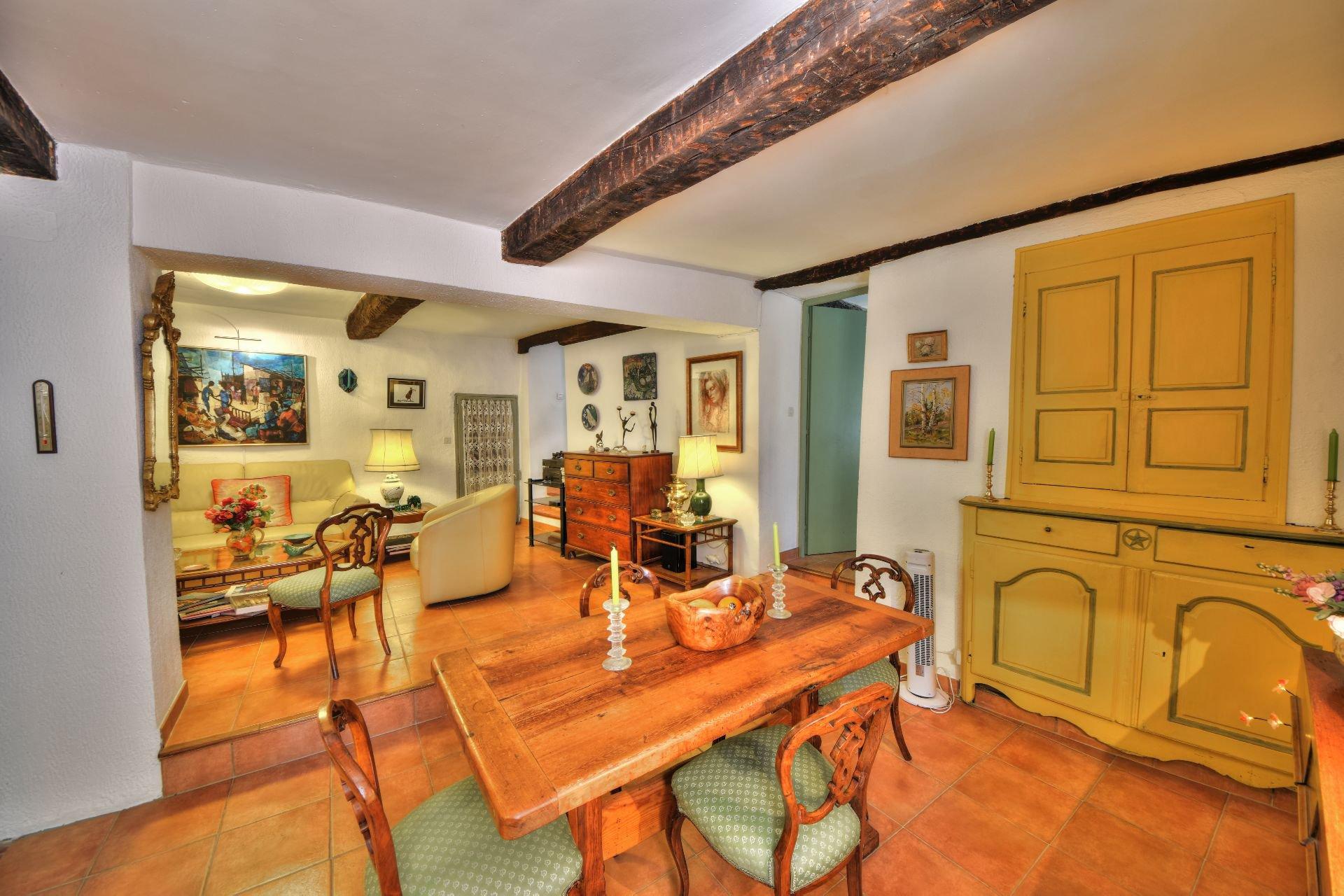 Salle à manger de la Maison de village rénovée avec garage et remise Aups, Var, Provence, Verdon