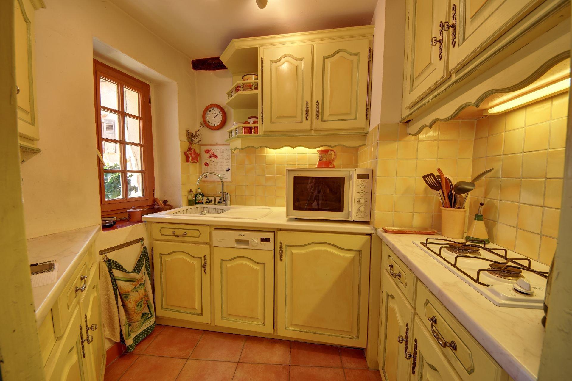 Cuisine de la Maison de village rénovée avec garage et remise Aups, Var, Provence, Verdon
