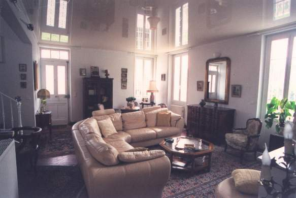 Natural light, high ceiling