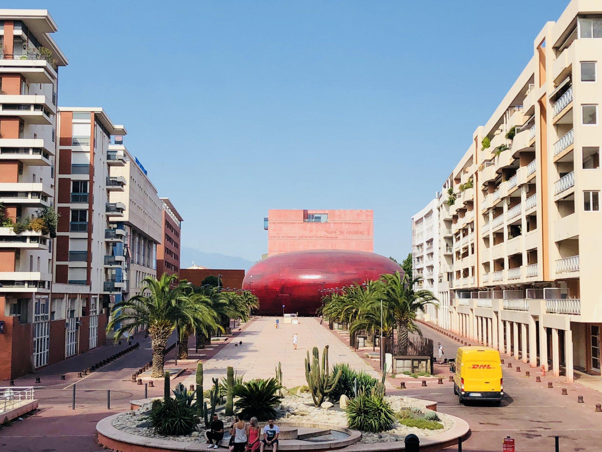 Espace méditerranée t3 terrasse parking cave