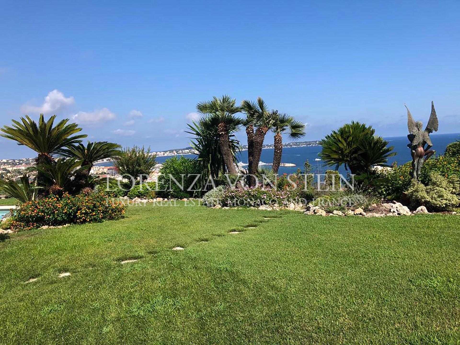 Vue panoramique sur le Cap d'Antibes