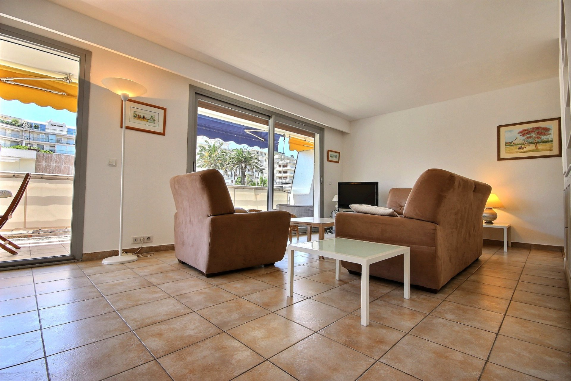 property for sale in cannes palm beach with terrace living room