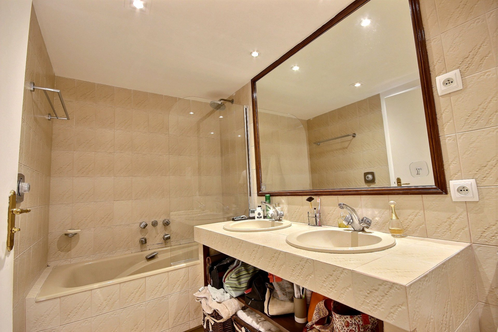 property for sale in cannes palm beach with terrace bathroom