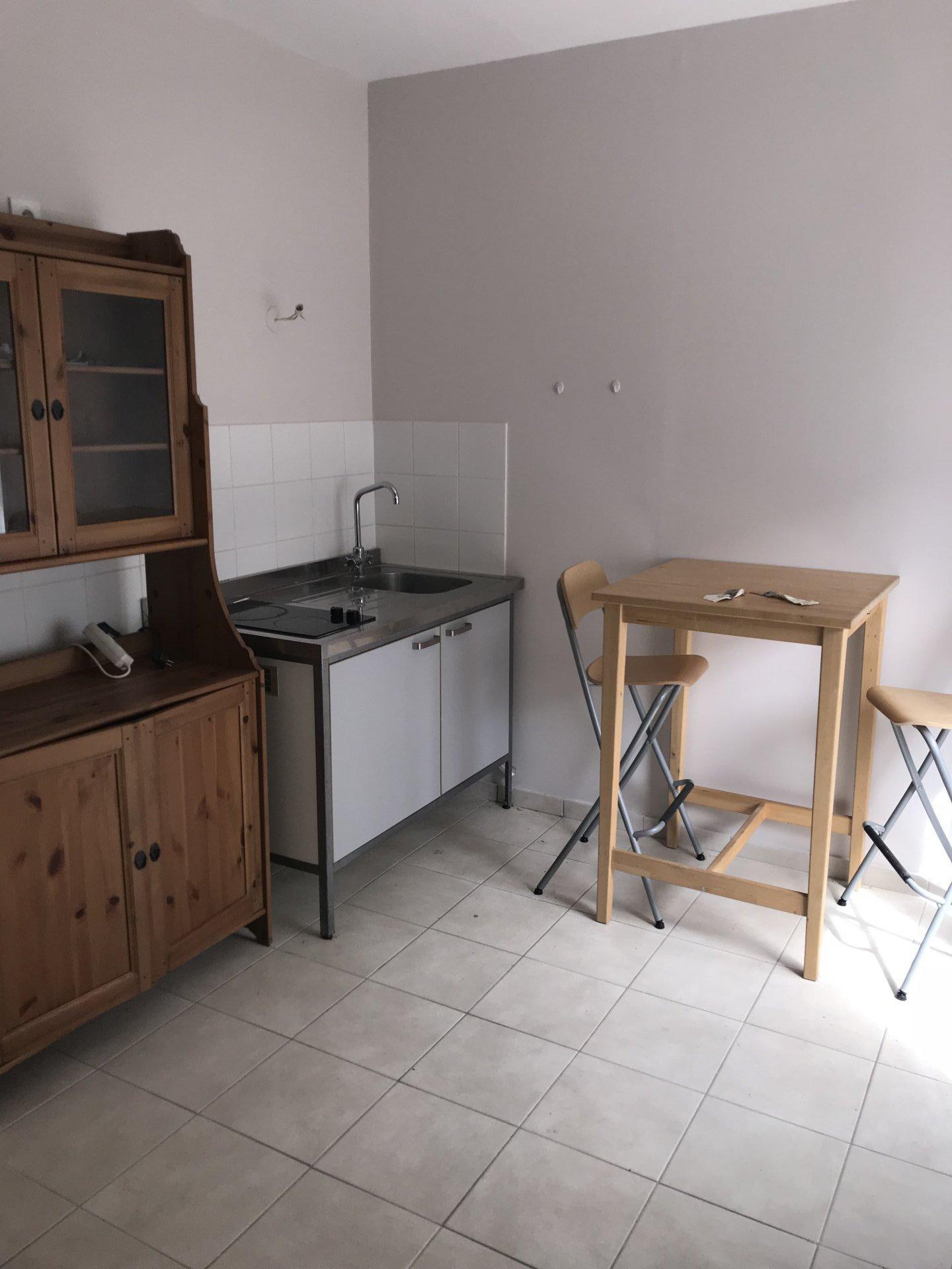 Studio semi-meublé - secteur carnot