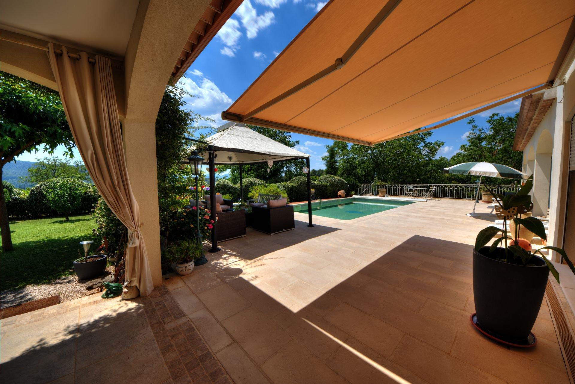 Superb luxury villa with pool Villecroze