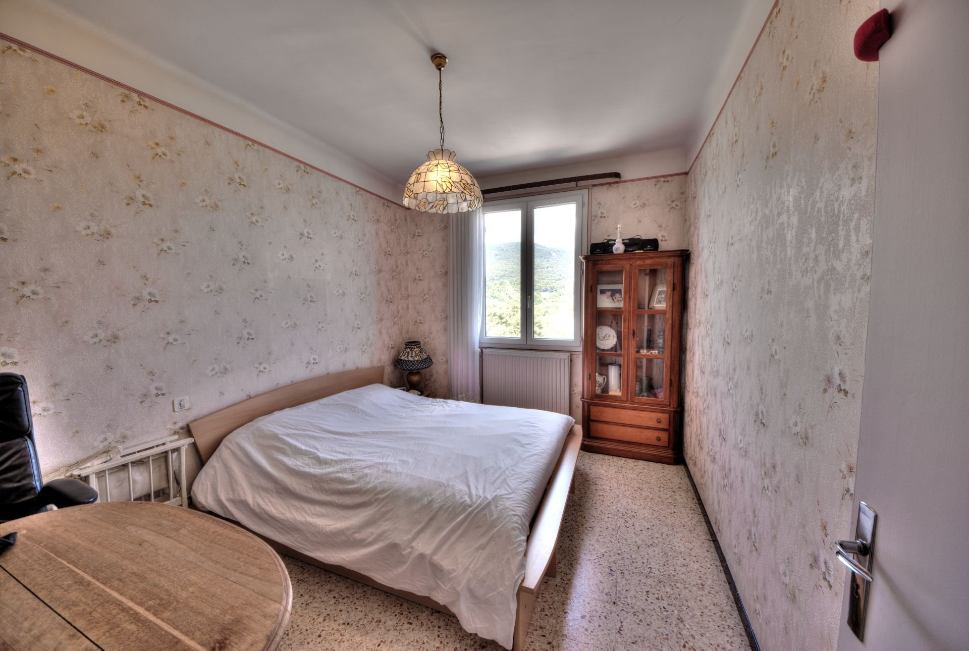 Bedroom 2 of the House raised one floor on garden level, plot of 5000 m² divisible, Aups, Provence, Verdon