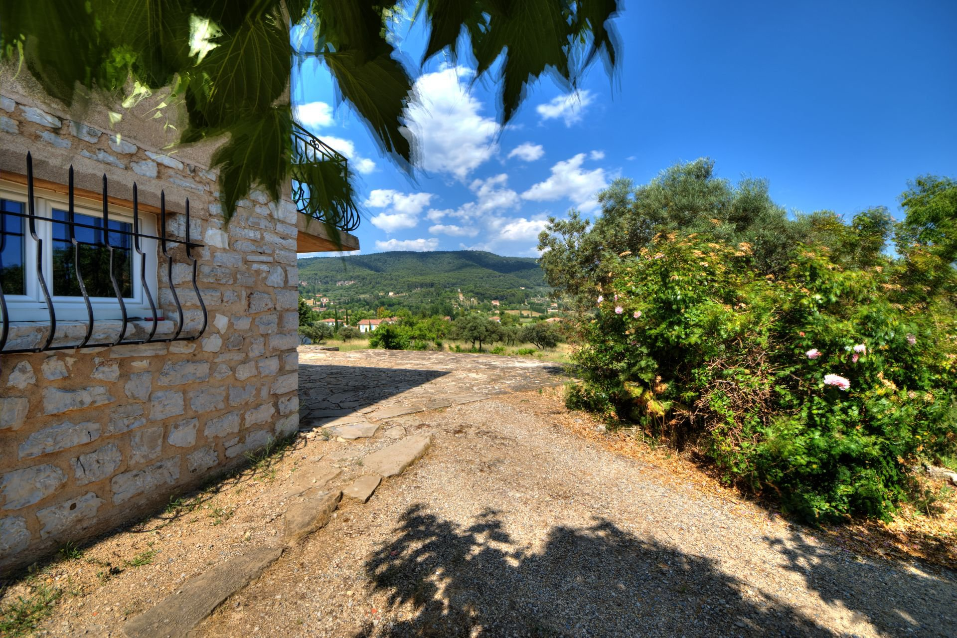 House of one floor on garden, 5000 m² divisible, Aups, Provence, Verdon