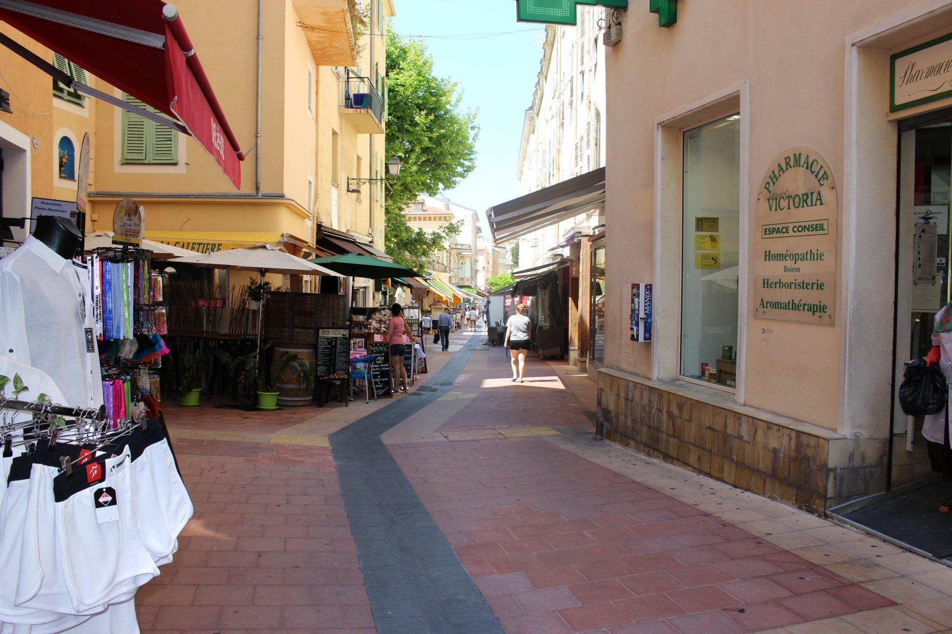 Sale Retail - Menton Piétonne