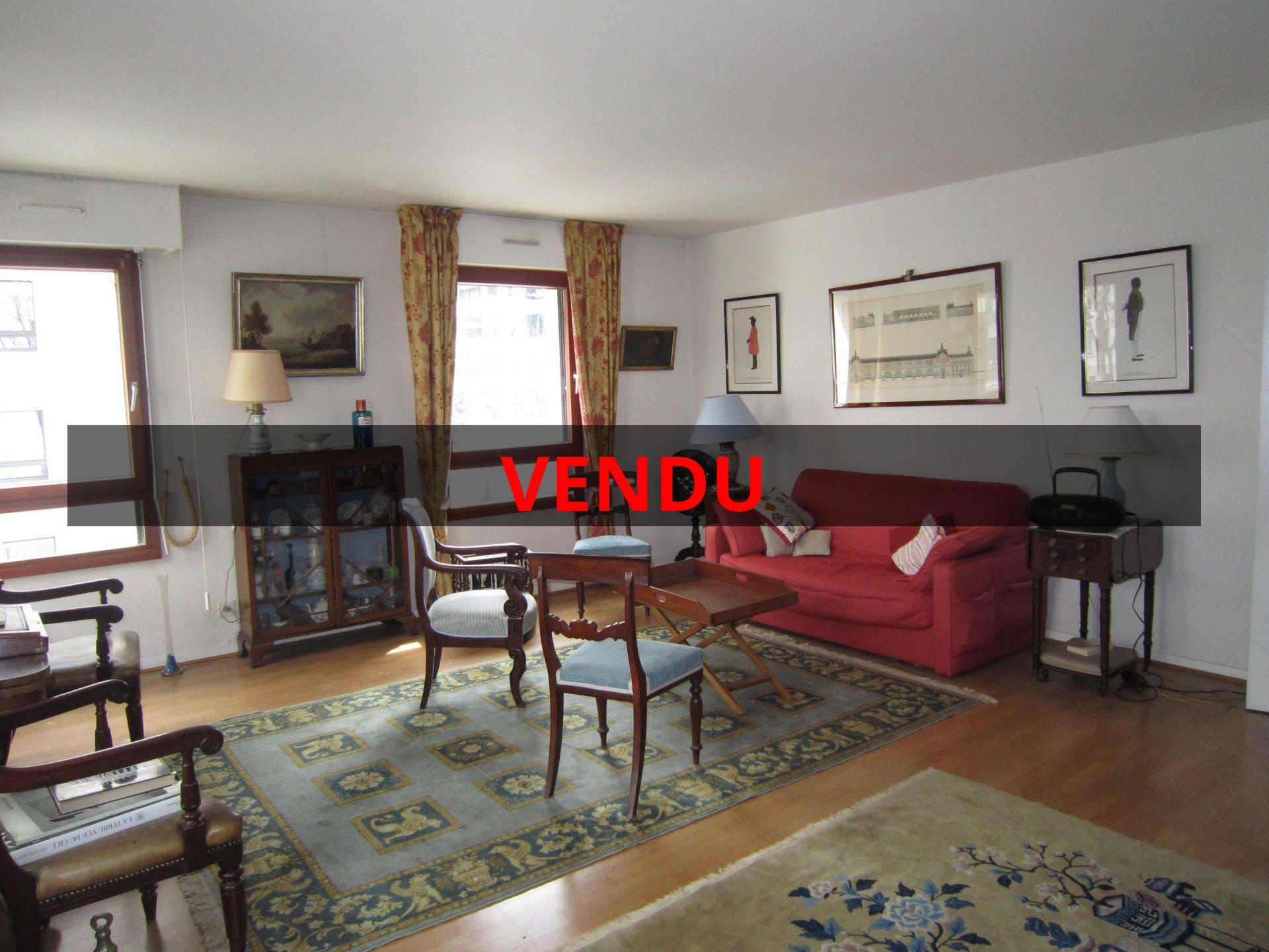 vente appartement rueil malmaison 400 000. Black Bedroom Furniture Sets. Home Design Ideas