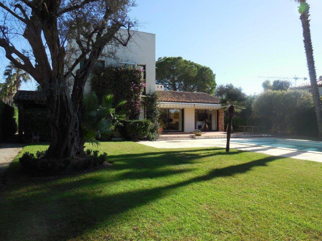 Cap d'Antibes House For Sale Ouest Side