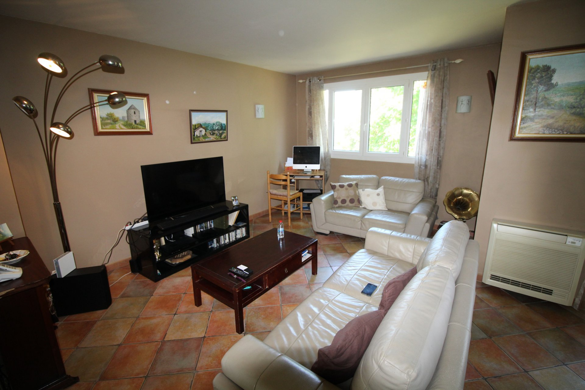 Brignoles, an apartment close to all amenities