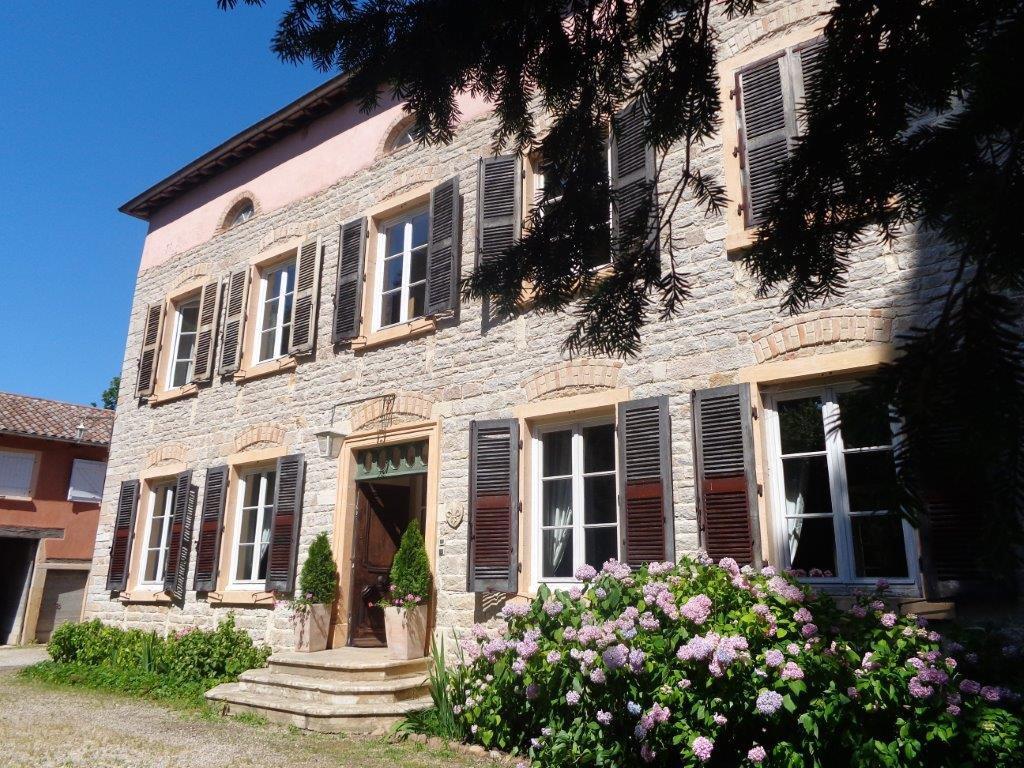 Mogneneins maison de maitre XIXè plus appartement