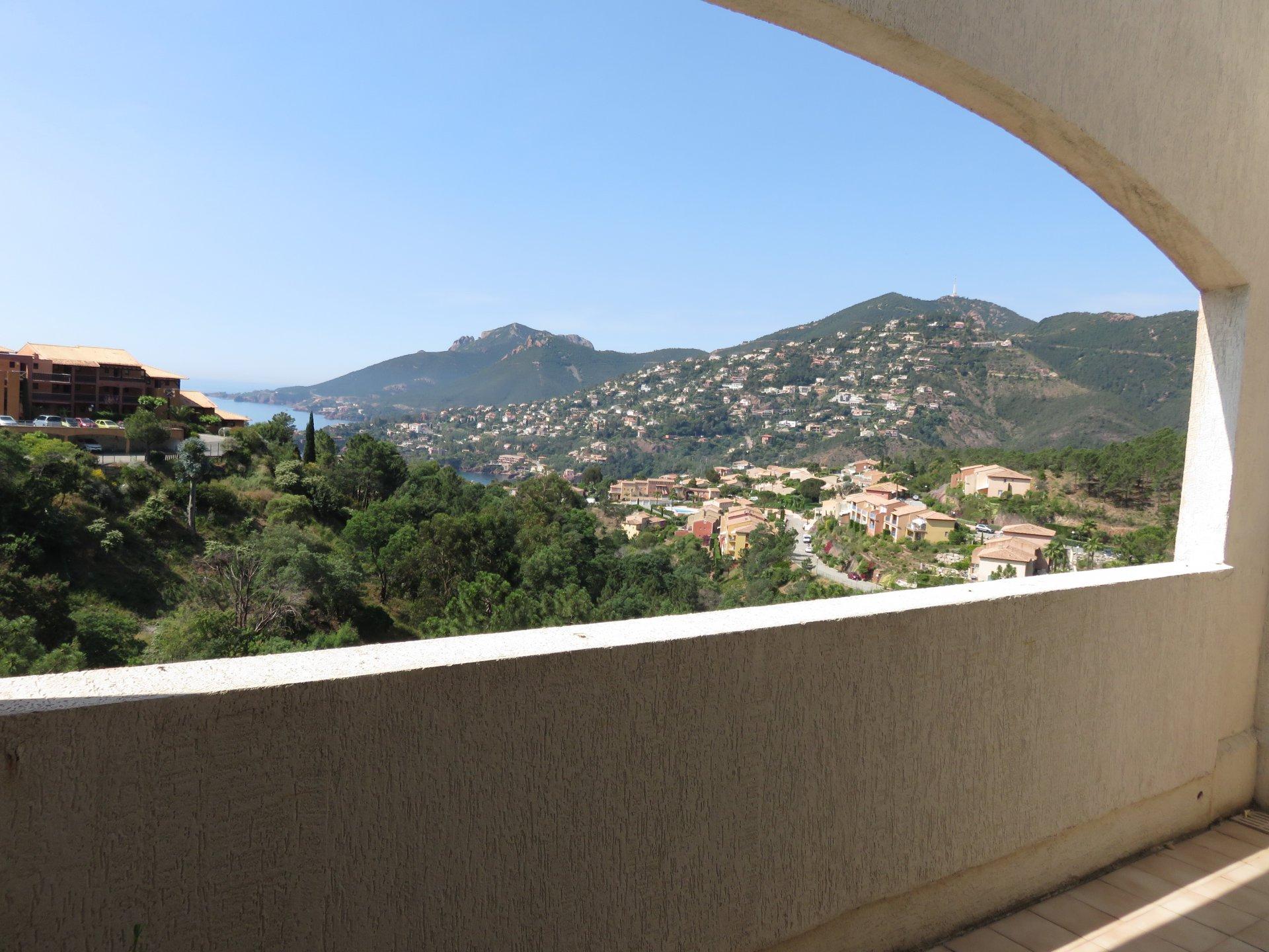 Apartamento de 2 habitaciones con vistas panorámicas al mar