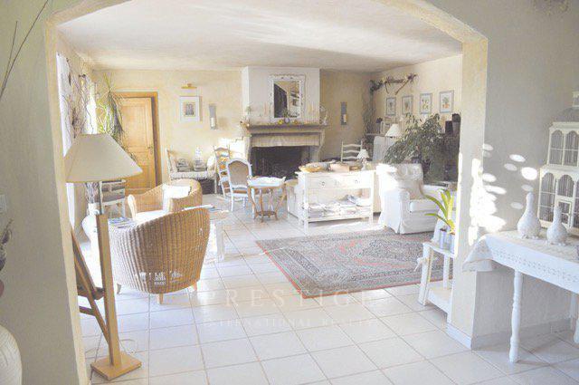 Gargas, maison d'hôtes 414m² sur terrain 8200m²