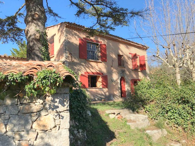 FANTASTIC OPPORTUNITY Old bergerie on 3 hectares with pool