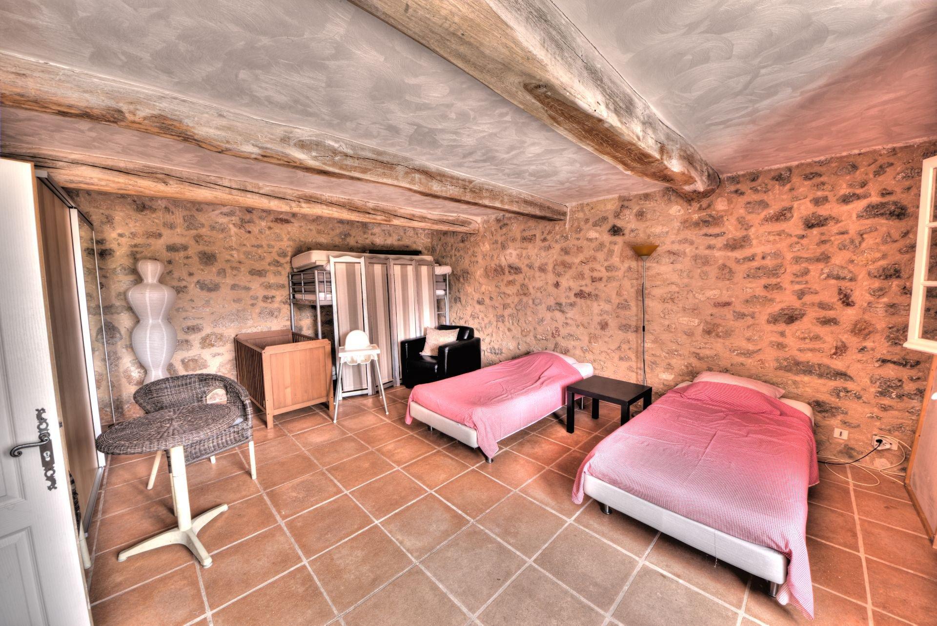 Bedroom, stones