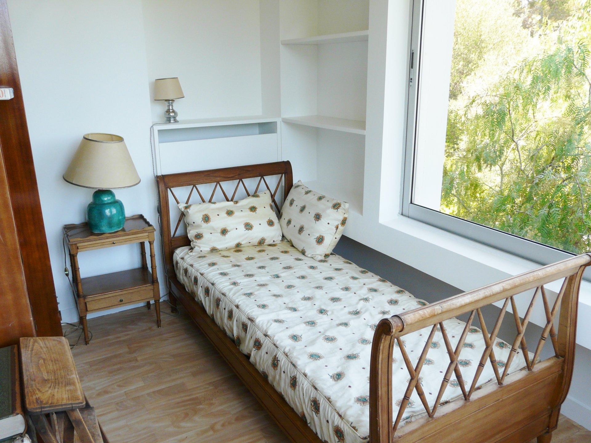 Bedroom 2 alcove