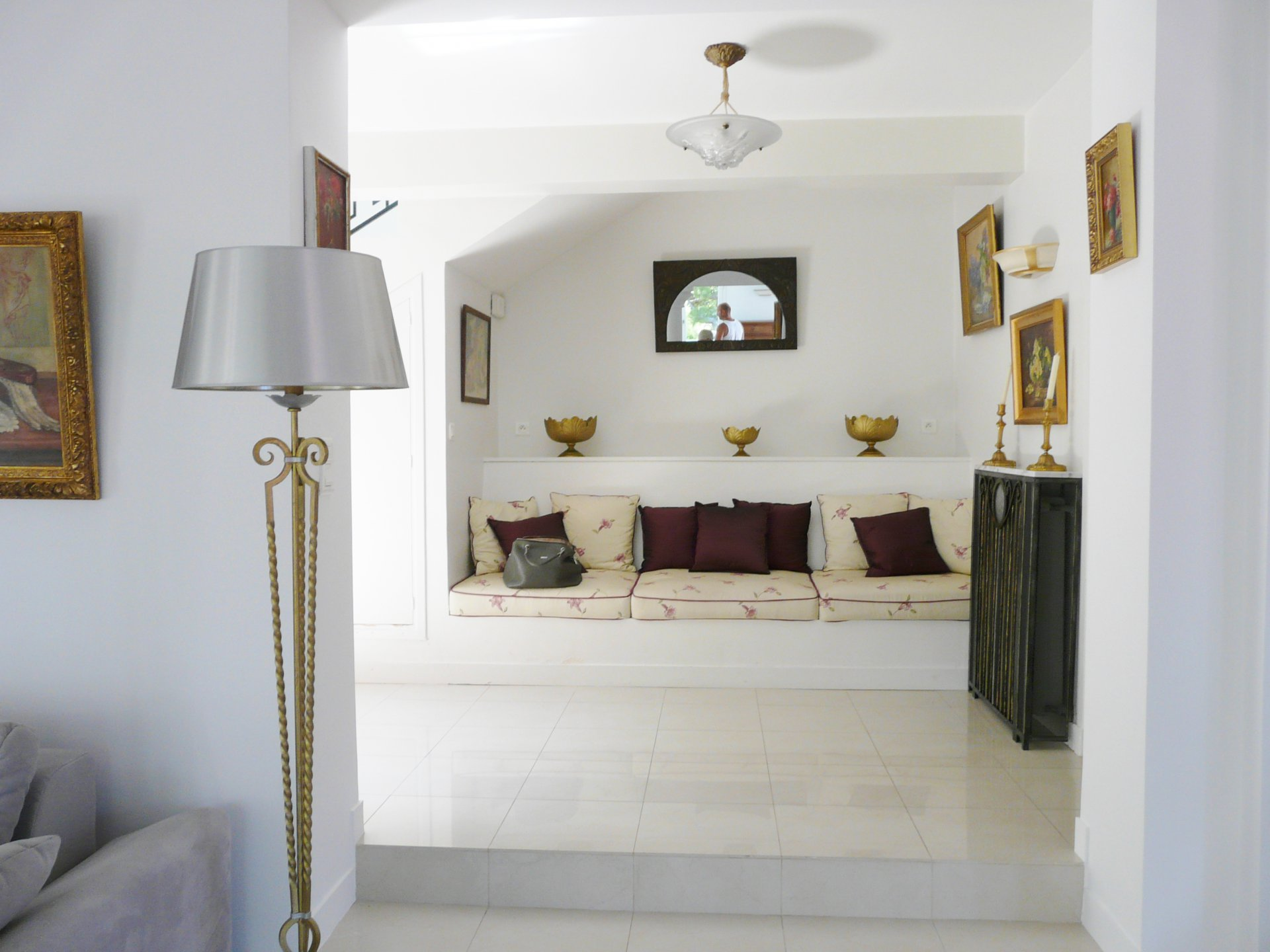 BEAUTIFUL VILLA A FEW MINUTES AWAY FROM  BEACHES