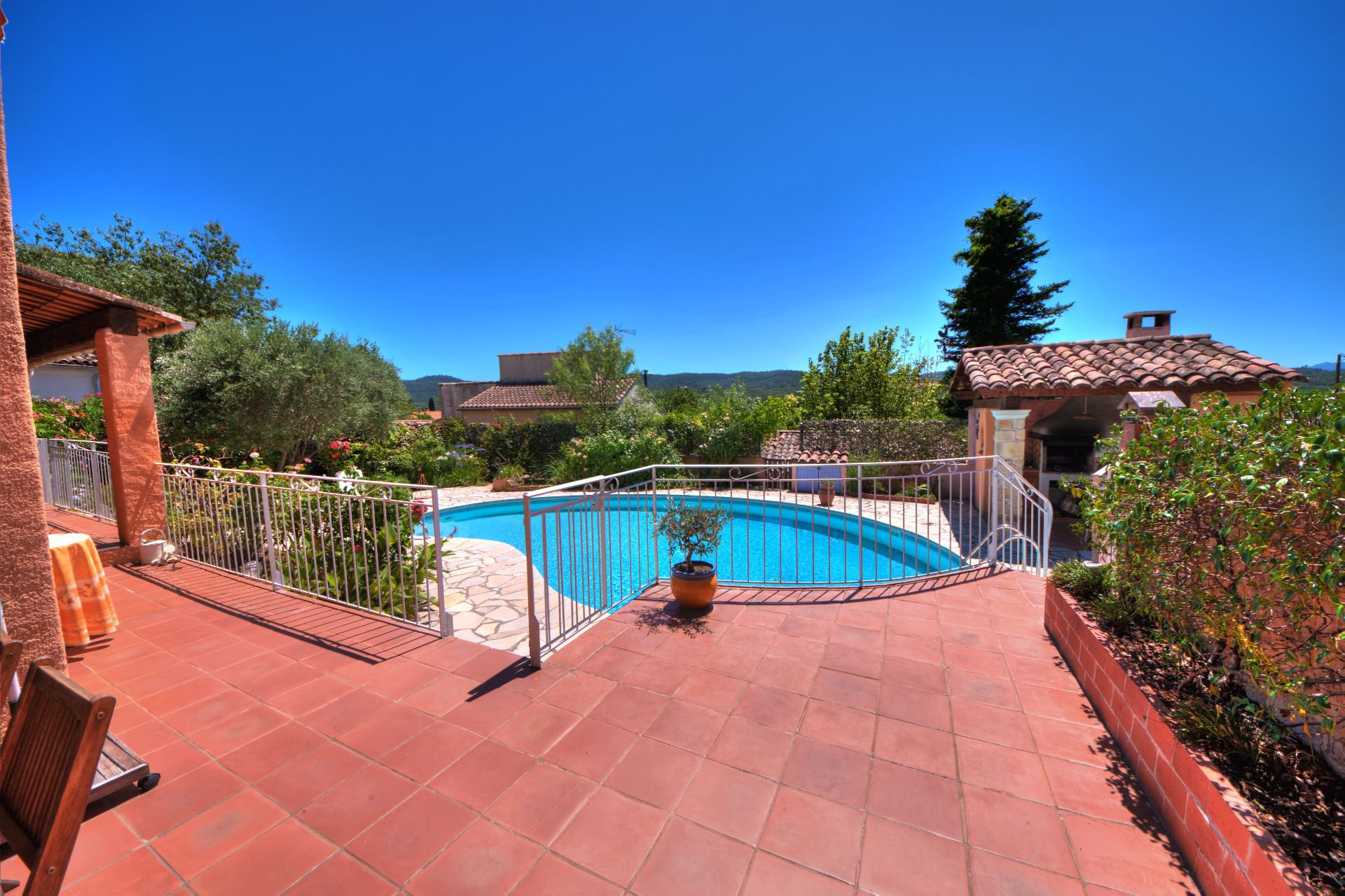 Monfort/Argens, house with pool, garage and garden Var Provence