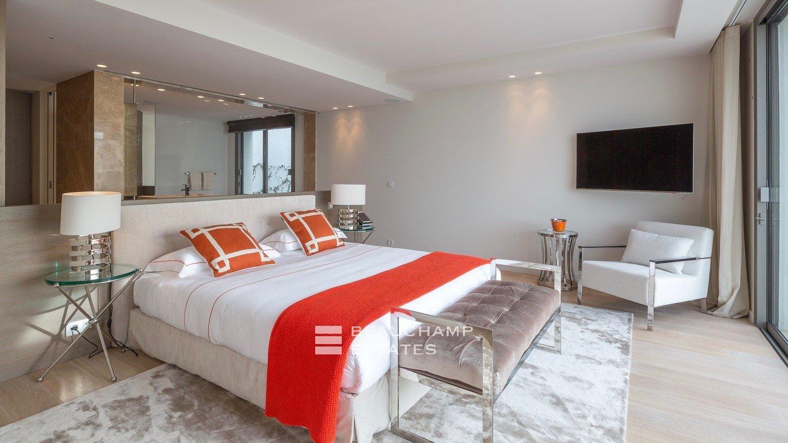 Somptueuse villa contemporaine sur les hauteurs de Cannes