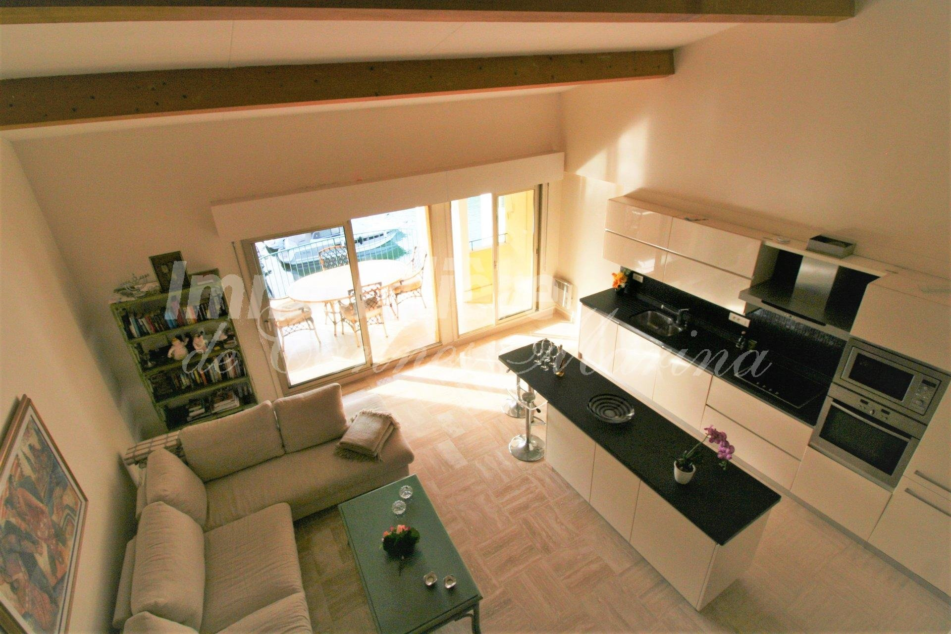 LARGE 2 bedroom apartment with marina views and large terrace