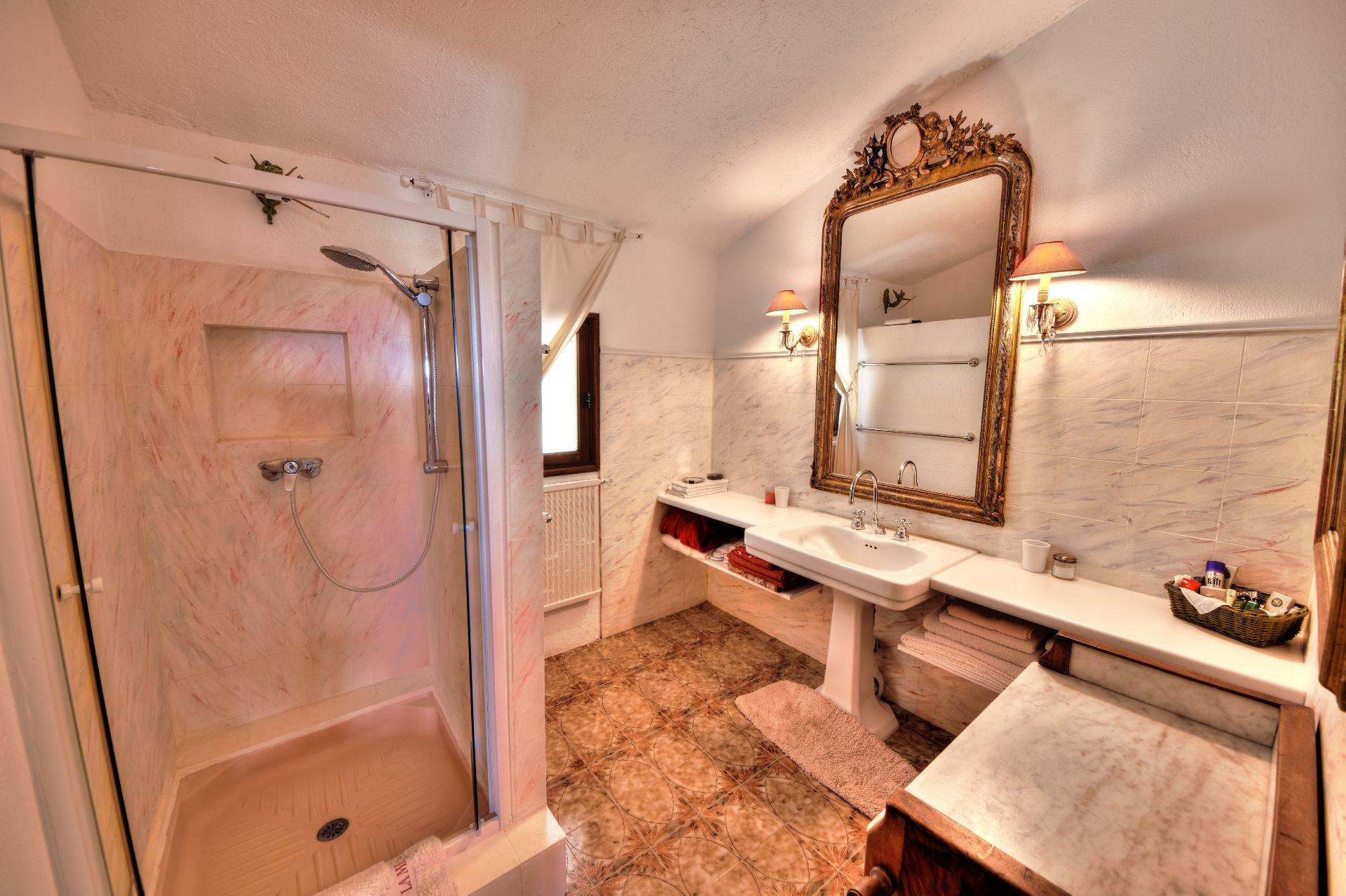 Salle de douche, carrelage