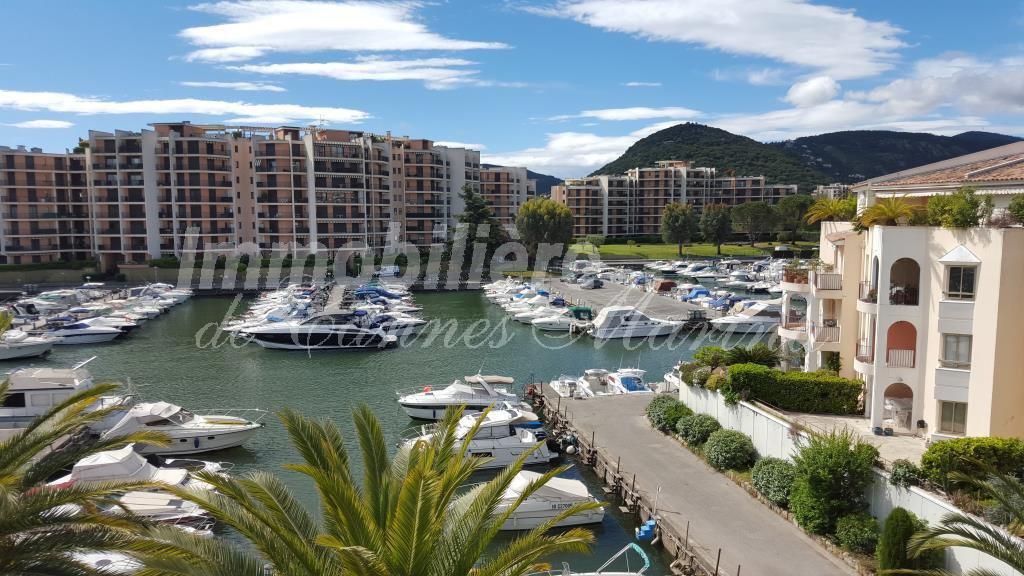 Продажа Пентхаус - Манделье-ля-Напуль (Mandelieu-la-Napoule) Cannes Marina