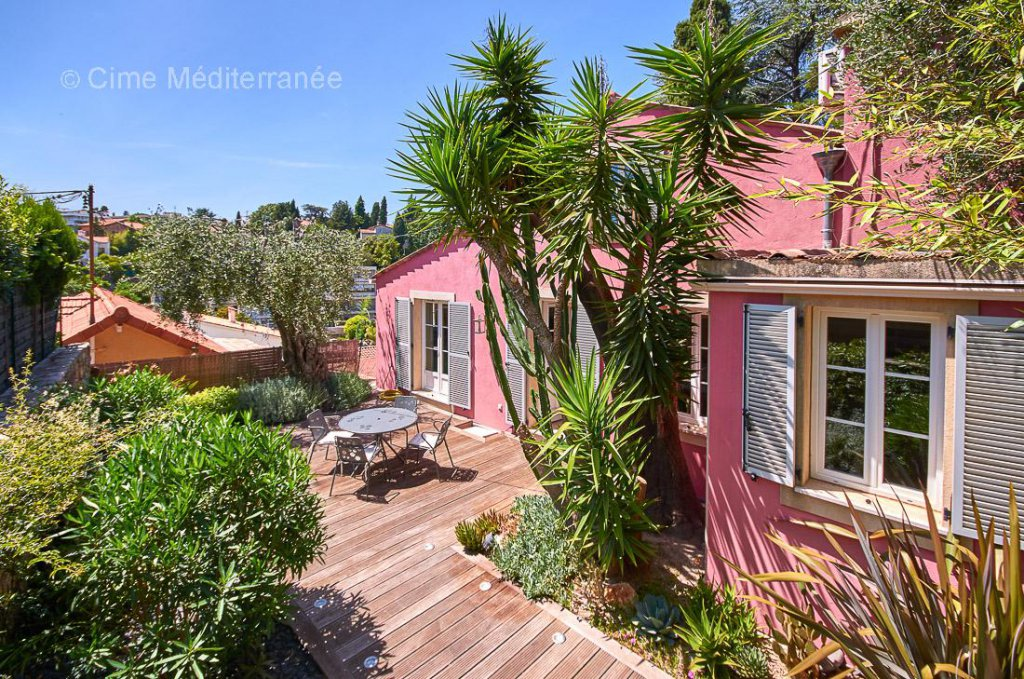 FOR SALE - CANNES - PETIT JUAS
