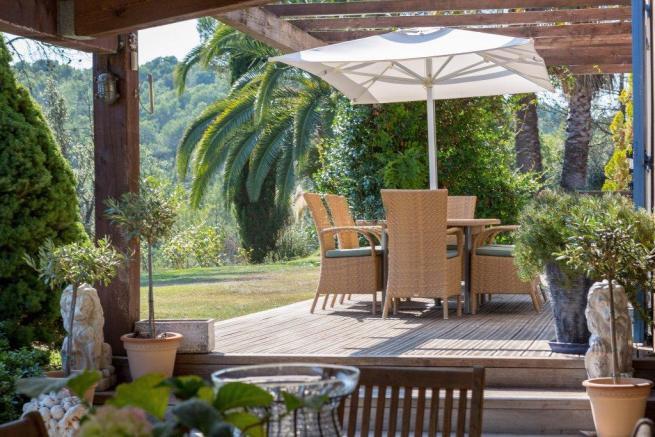 Villa 5 chambres avec 2,6 hectares de terrain à vendre Valbonne