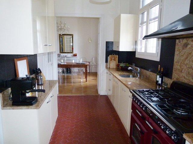 Kitchen, tile