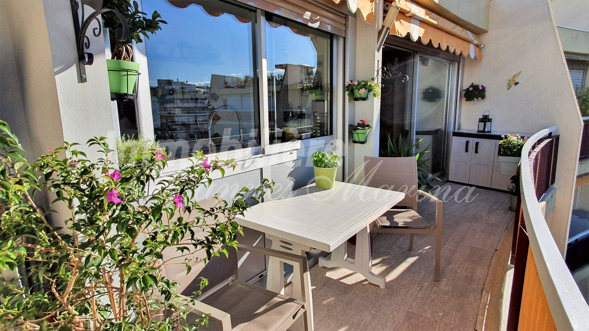 SUPERB STUDIO ENTIRELY RENOVATED - PARKING AND CELLAR - SWIMMING POOL