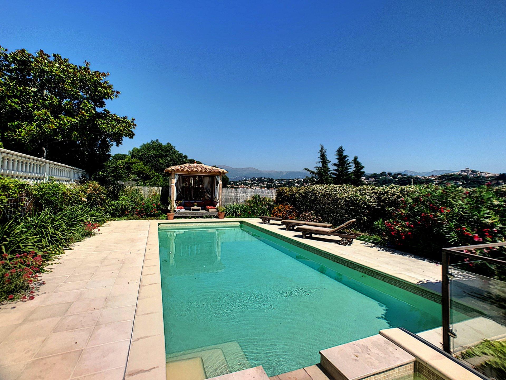Cagnes sur mer (06800) - St Veran - Villa individuelle avec piscine