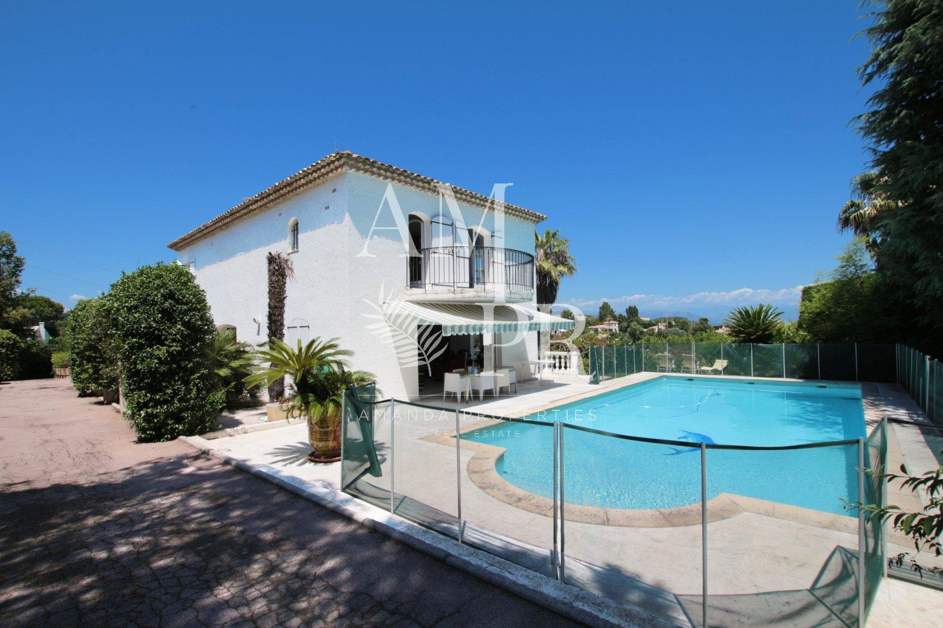 Top of the hills of Cannes- Private domain gated
