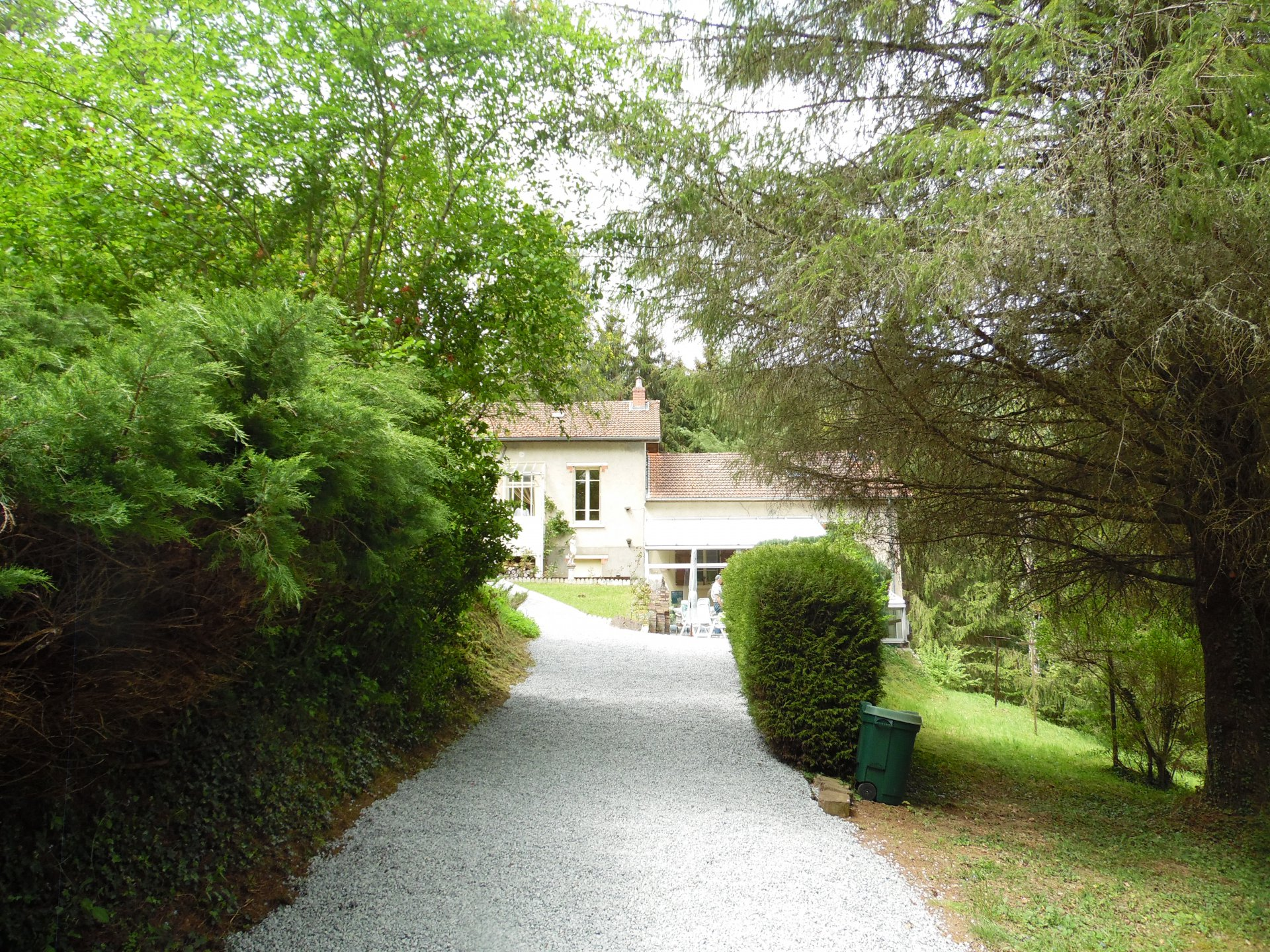 For sale whole of 2 houses by a river with beautiful terrain.