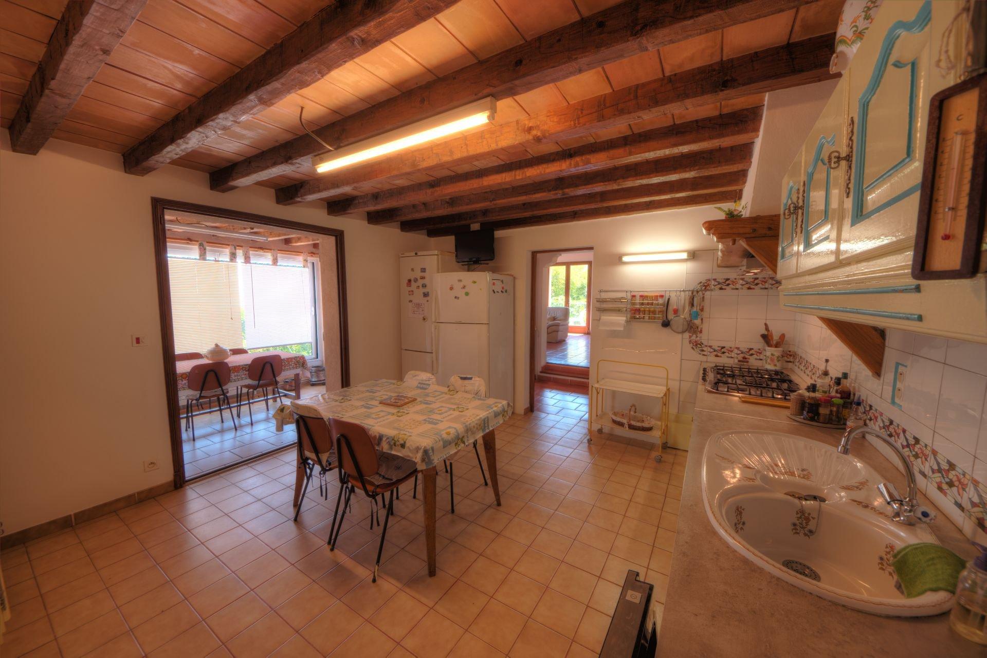 Cuisine de la villa Régusse, Var, Verdon