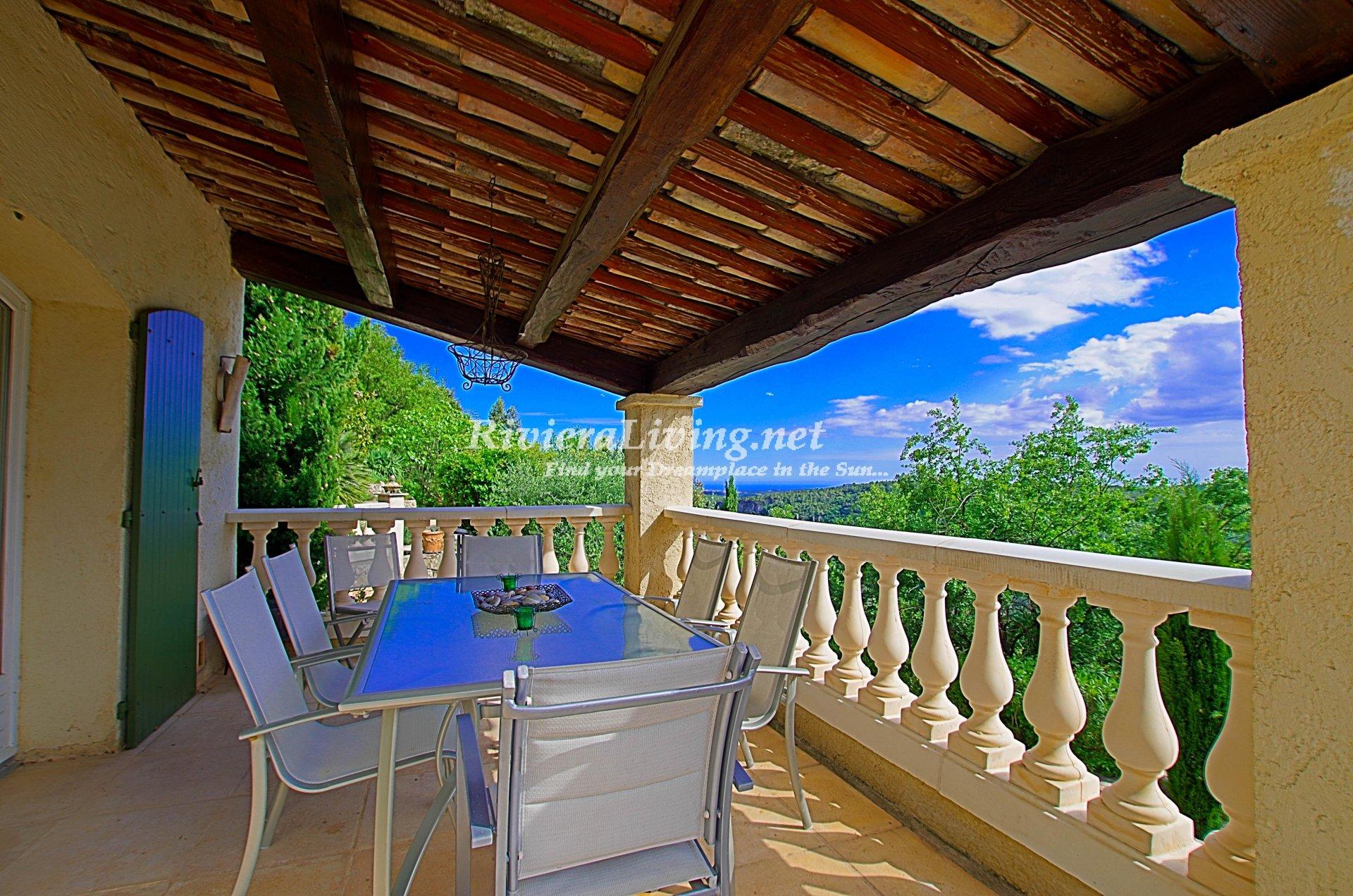 TOURRETTES SUR LOUP --- Belle villa avec vue mer et piscine
