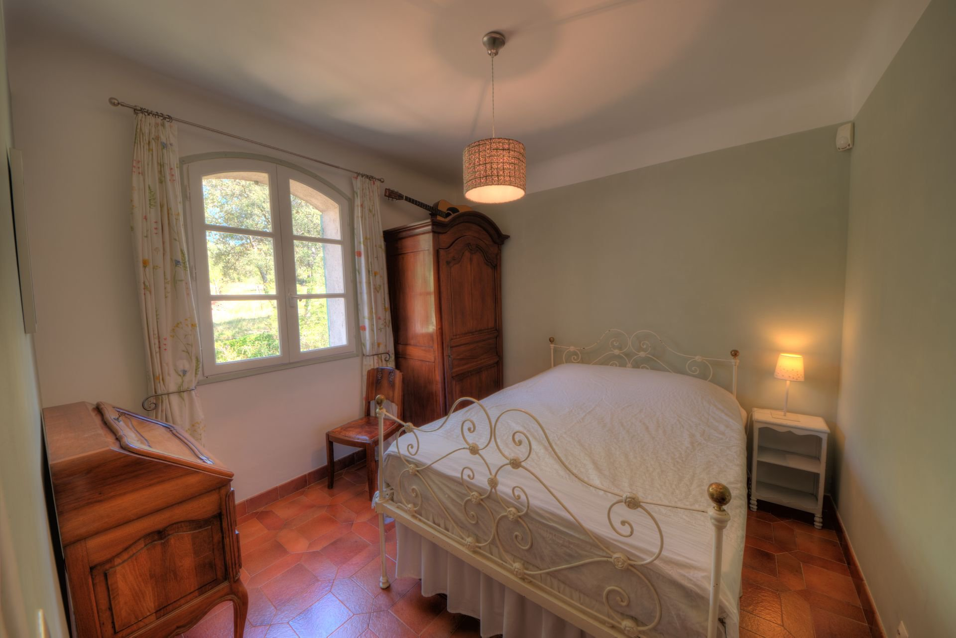 Bedroom 3 of the villa in the heart of the Thoronet